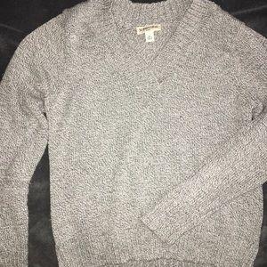 Cute grey crop sweater